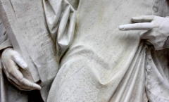 Giotto statue with repaired finger and thumb